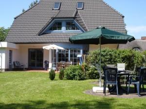 Ferienhaus vom Garten aus Fotografiert